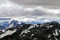 Горы, ледники и долины в Jotunheimen Стоковое Изображение