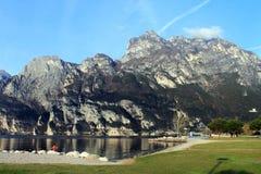 Горы на озере Garda Стоковое Фото