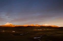 Горы на сумраке Стоковые Фотографии RF