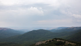 горы облаков зеленые Стоковые Изображения