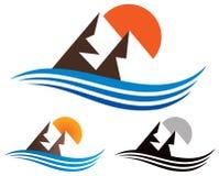Горы логотип Outdoors Стоковые Изображения
