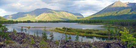 горы озера стоковое изображение