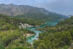 горы горы озера lac de Франции creno Корсики корсиканские Резервуар около Guadalest Аликанте Испания Стоковые Фотографии RF