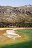 Горы около моря стоковые фото