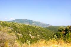 Горы острова лефкас стоковое изображение