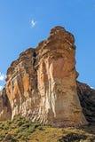 Горы покрашенной ландшафт апельсином скалистой и голубого неба в оранжевом освободившееся государство в Южной Африке Стоковая Фотография RF