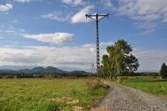 Горы поля на заднем плане Стоковые Изображения RF