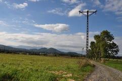 Горы поля на заднем плане - Rudawy Janowickie и гигантские горы Стоковые Фото