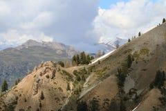 Горы приближают к ` Izoard Col d, природному парку Queyras француза стоковое фото