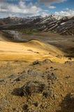 Горы радуги в Landmannalaugar, Исландии Стоковые Фотографии RF
