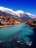 Горы реки и горных вершин Стоковое фото RF
