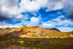 Горы риолита - апельсин, желтый зеленый цвет конца Стоковые Изображения
