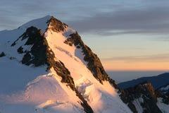 горы снежные Стоковые Изображения