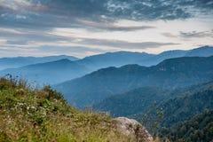 Горы с драматическим небом Стоковое фото RF