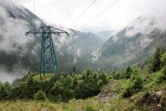 горы тумана сверх дорога transfagarasan Румыния Стоковые Изображения