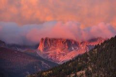 горы утесистые стоковые фотографии rf