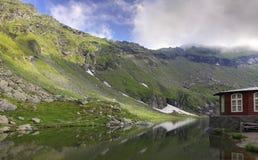 горы хаты Стоковое Изображение RF