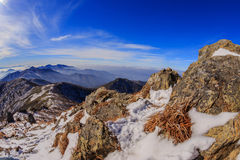 Горы Deogyusan покрыты снегом Стоковые Фото