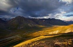 горы kyrgyzstan стоковые изображения