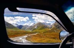 горы kyrgyzstan стоковые изображения rf