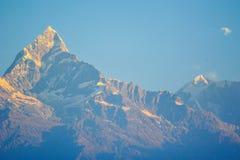 Горы Machapuchare в Pokhara, Непале Стоковое фото RF