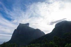 Горы Pedra da Gavea и Pedra Bonita, Рио de Janeio, Бразилия Стоковая Фотография RF