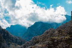 Горы Picos de Европы, на трассе забот Астурия, Стоковая Фотография