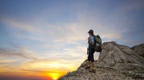 горы trekking женщина Стоковая Фотография RF