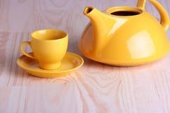 горячая вода чайника стоковое фото