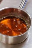 Горячая карамелька для croquembouche Стоковая Фотография