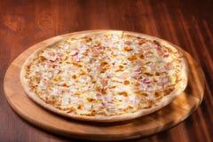Горячая пицца стоковые фото
