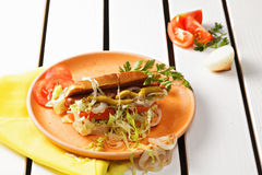 Горячая сосиска на плите Стоковое фото RF