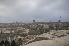 Горячее летание воздушного шара над Cappadocia Турцией Стоковое фото RF
