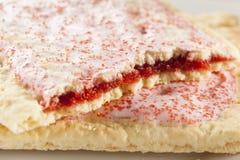 Горячее печенье тостера клубники стоковое фото