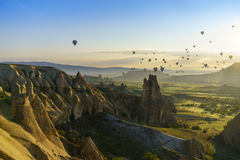 Горячие воздушные шары в Cappadocia, мае 2017 Стоковое Изображение RF