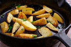 Горячие зажаренные картошки Стоковые Изображения