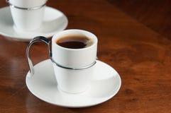 горячие кофейной чашки свежие определяют Стоковое Фото
