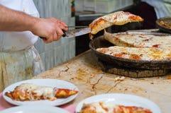 горячие ломтики пиццы Стоковые Изображения
