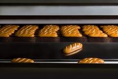 Горячие плюшки от печи хлеб свежий Стоковая Фотография RF