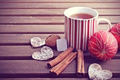 Горячие чай зимы и украшение рождества Стоковое фото RF