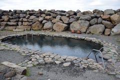 Горячий бак Jarlslaug на полуострове Skagi в Исландии стоковые изображения rf