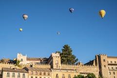 Горячий воздух раздувая в Сеговии Испании 8 стоковое фото rf