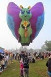 Горячий воздушный шар в форме бабочки стоковая фотография