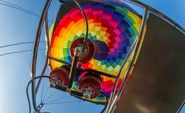 Горячий воздушный шар или оборудование аэростата и горелки, конец вверх from inside Стоковые Изображения RF
