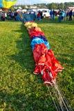 Горячий воздушный шар охватывает ожидать инфляции Стоковые Изображения RF