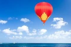 горячий воздушного шара цветастый Стоковое Изображение