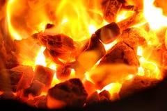 Горячий горящий уголь в огне Стоковая Фотография