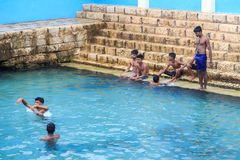 Горячий источник Keerimalai - Джафна - Шри-Ланка стоковая фотография rf