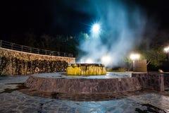Горячий источник Raksawarin в Ranong, Таиланде, nighttime Стоковые Фотографии RF