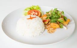 Горячий и кислый зажаренный салат рыб стоковая фотография rf